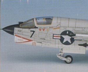 Vought F-8E Crusader  (Vista 4)