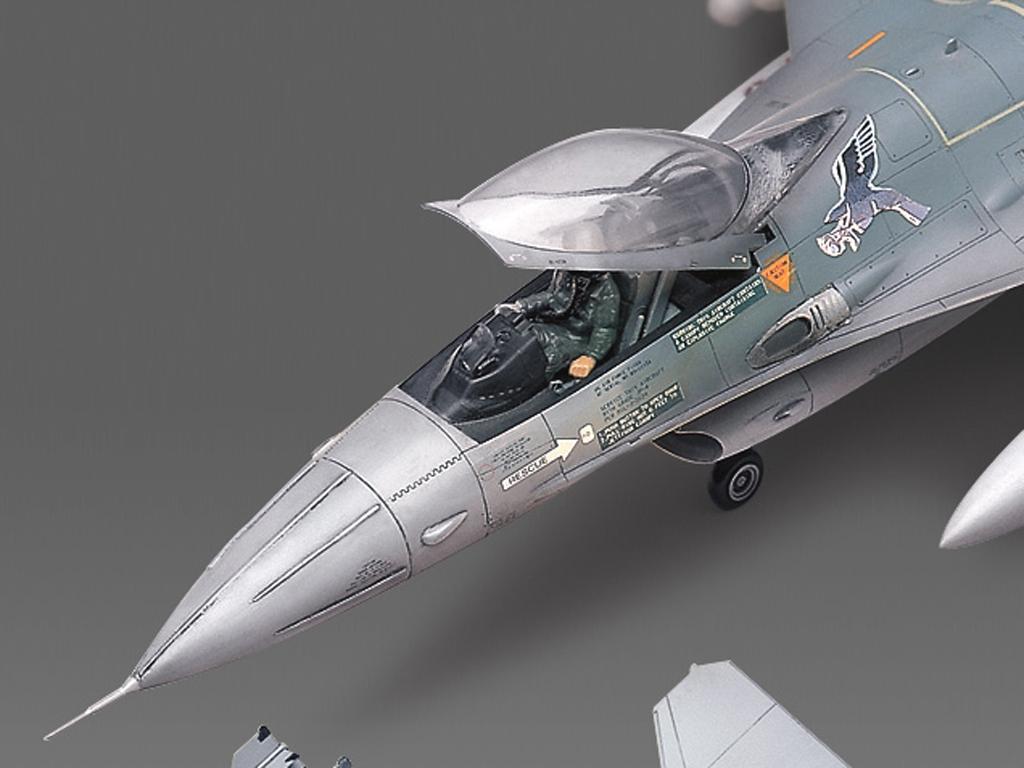 F-16A/C Fighting Falcon  (Vista 3)