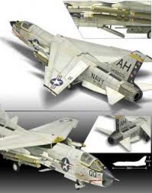 F-8E VF-162 The Hunters  (Vista 4)