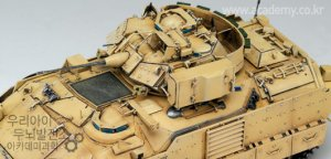 M2A2 Bradley OIF  (Vista 3)