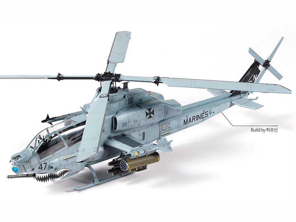"1//35 USMC AH-1Z /"" Shark Mouth/"" Academy model kit # 12127"