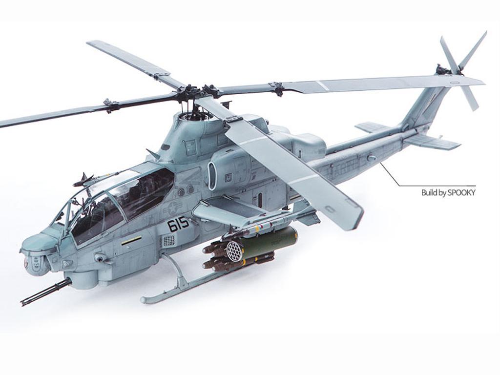 USMC AH-1Z  (Vista 2)