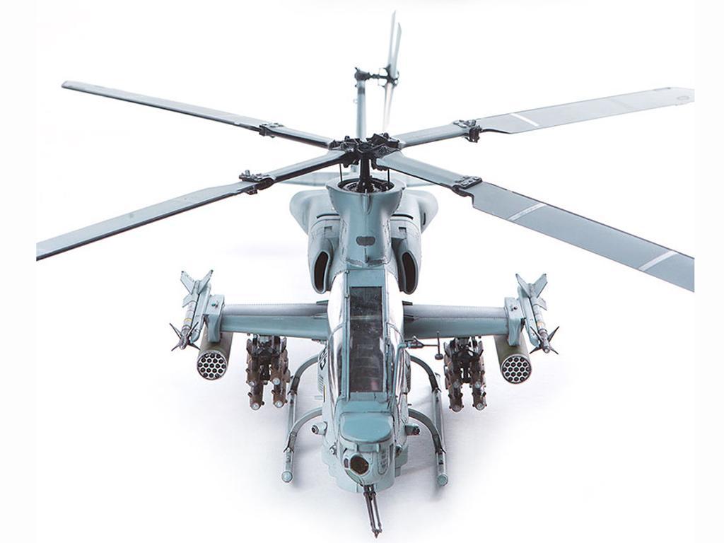 USMC AH-1Z  (Vista 7)