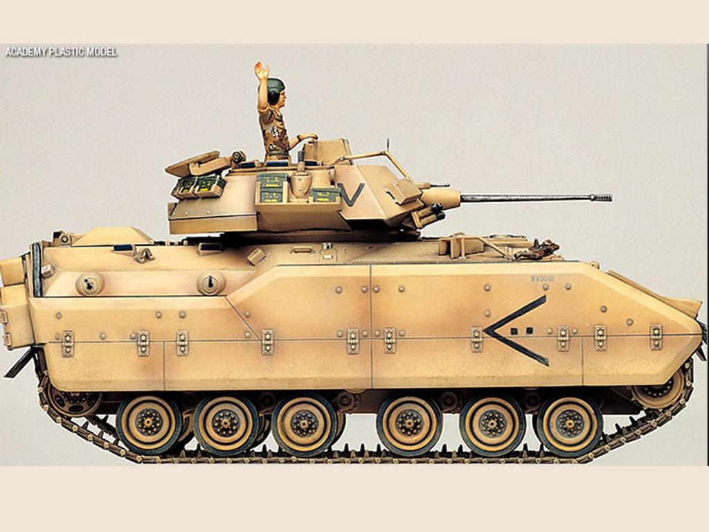 M2 Bradley U.S. Army (Vista 5)