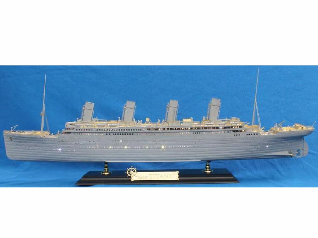 Titanic Academy 50th Anniversary (Vista 1)