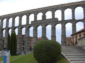 Acueducto de Segovia-Segovia - España -   (Vista 2)
