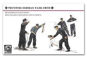 Hunting German Tank Crew-5 Figures w/dog