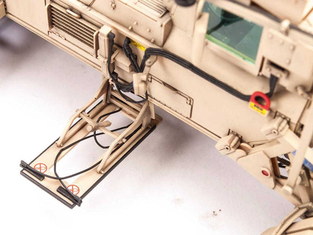 Husky Mk III VMMD w/Interrogation Arm (Vista 4)