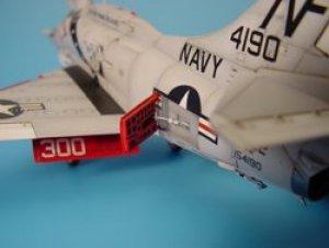 A-4E/F SKYHAWK open airbrakes set - HASE  (Vista 1)