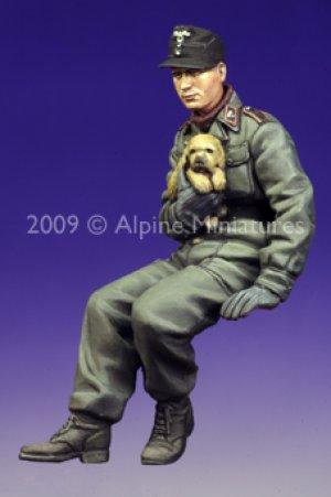 Tanquista Aleman con perrito  (Vista 4)