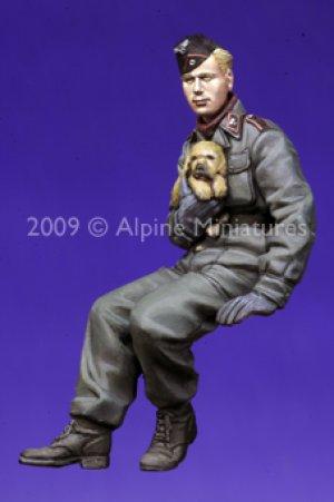 Tanquista Aleman con perrito  (Vista 5)
