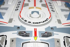 Star Trek USS Difiant  (Vista 2)
