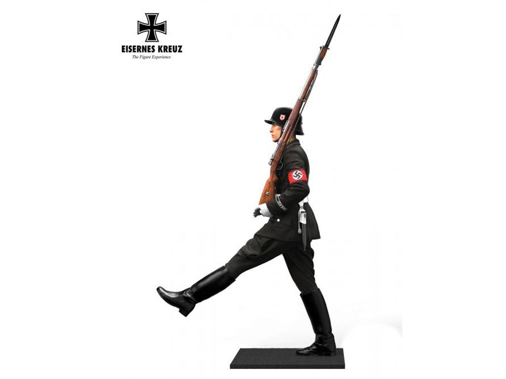 Soldat im Stechschritt LAH, 1939  (Vista 2)