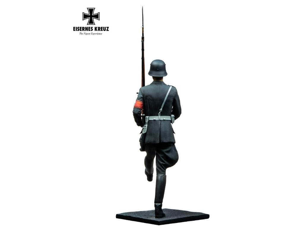Soldat im Stechschritt LAH, 1939  (Vista 9)