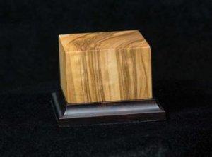 Peana de madera noble de olivo  (Vista 1)