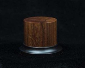 Peana de madera noble de Pao Rosa  (Vista 1)