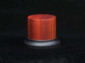 Peana de madera noble oval de Padouk   (Vista 1)