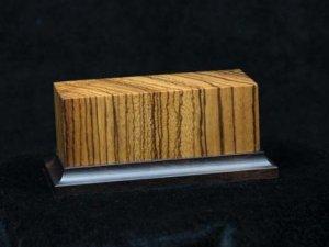 Peana de madera noble Zebra  (Vista 1)