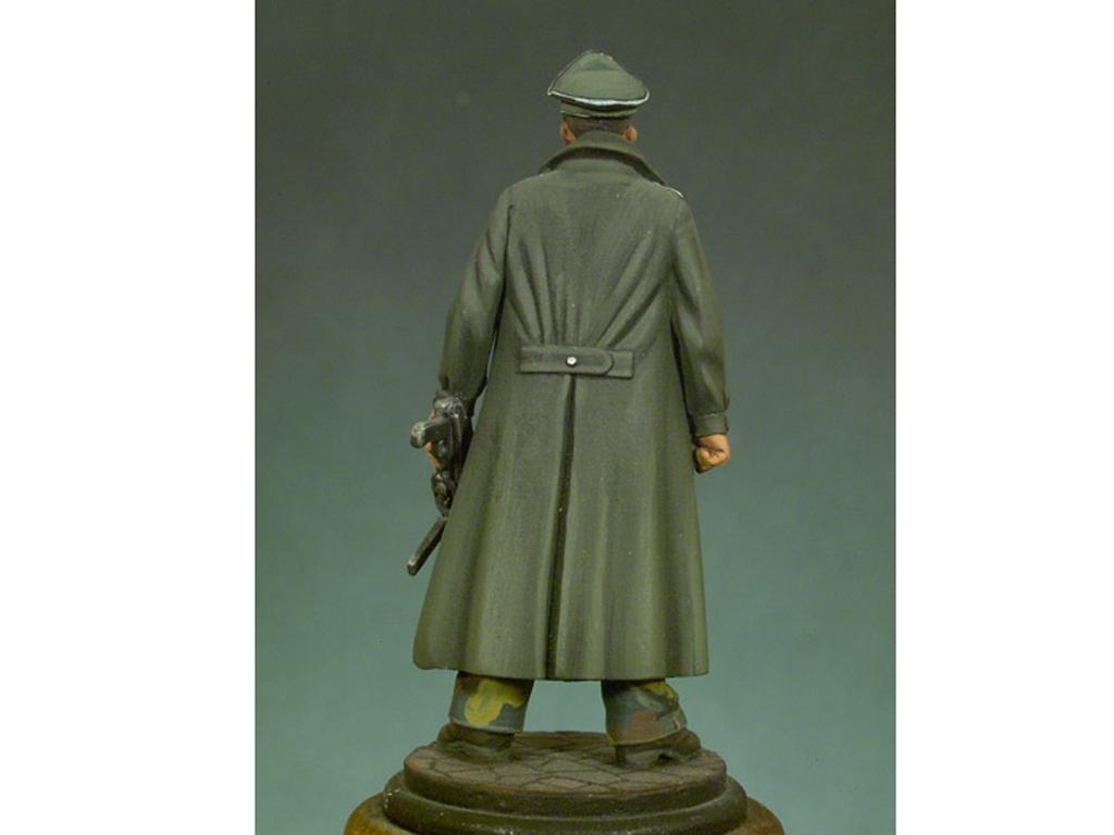 Oficial de las Waffen SS 1943  (Vista 2)