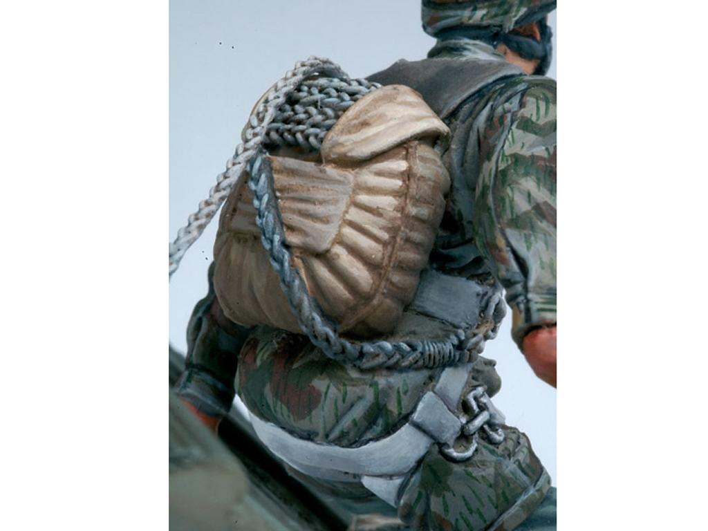 Paracaidista Aleman 2ªG.M.  (Vista 4)