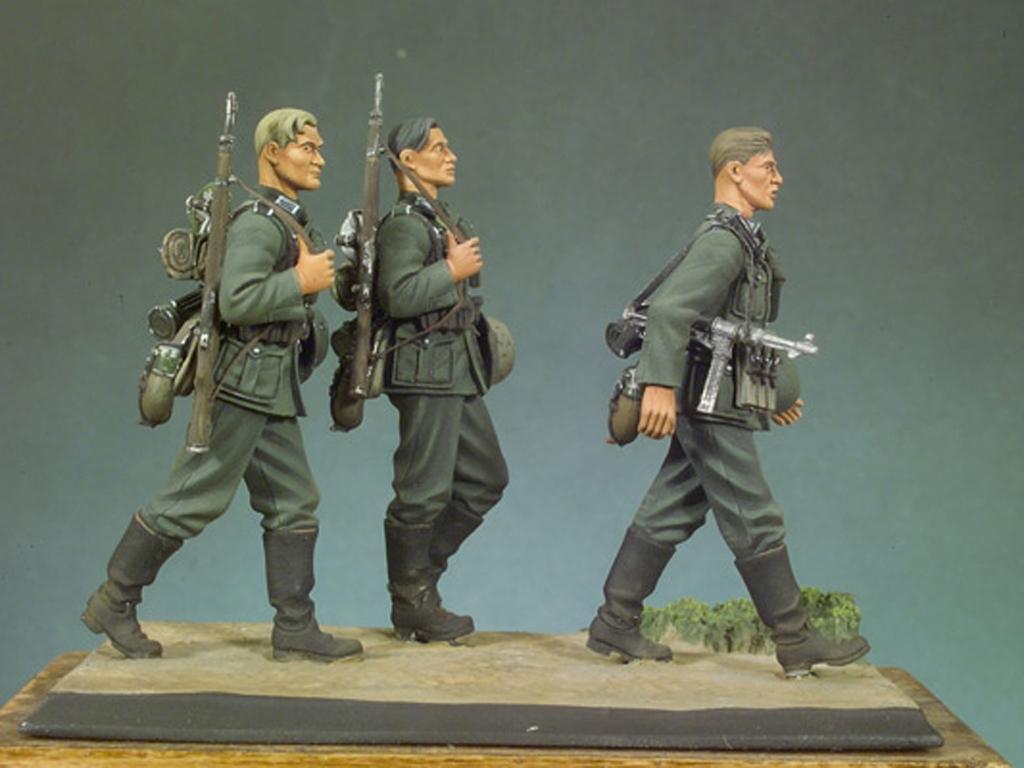 Infantería Alemana andando I  (Vista 1)