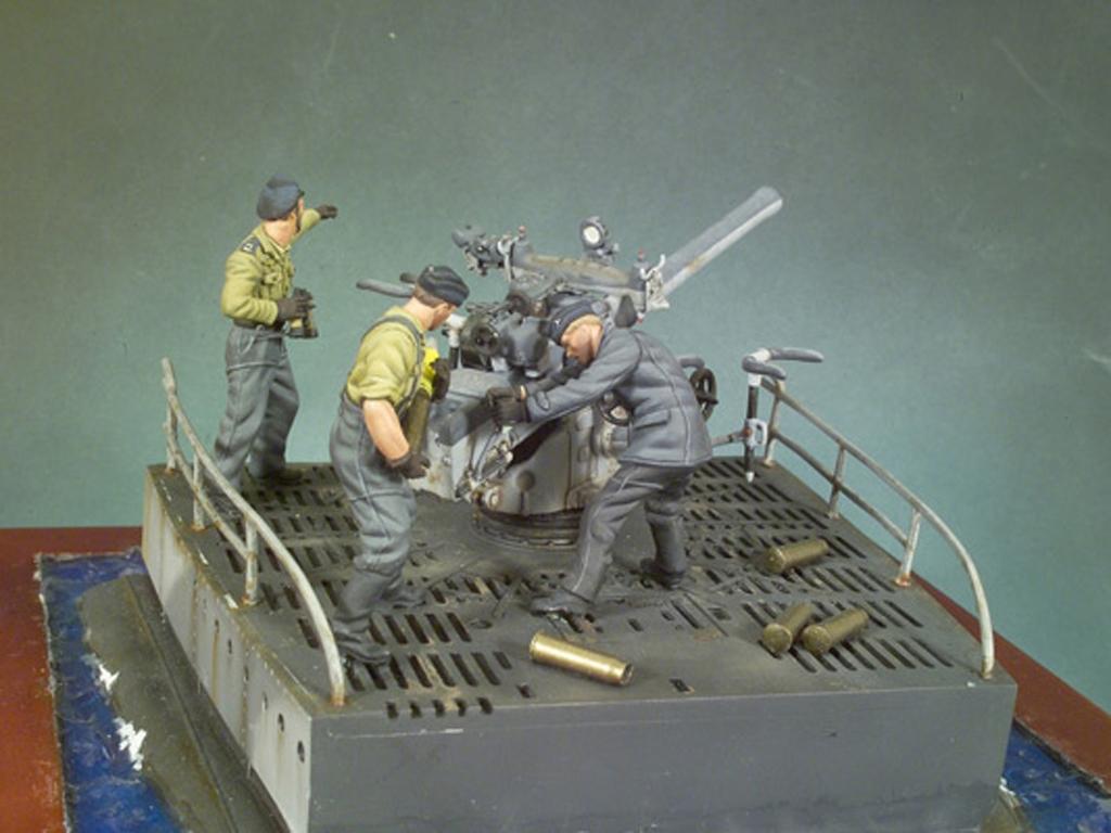 Cañon cubierta U-Boat VIIC y tripulacií  (Vista 3)