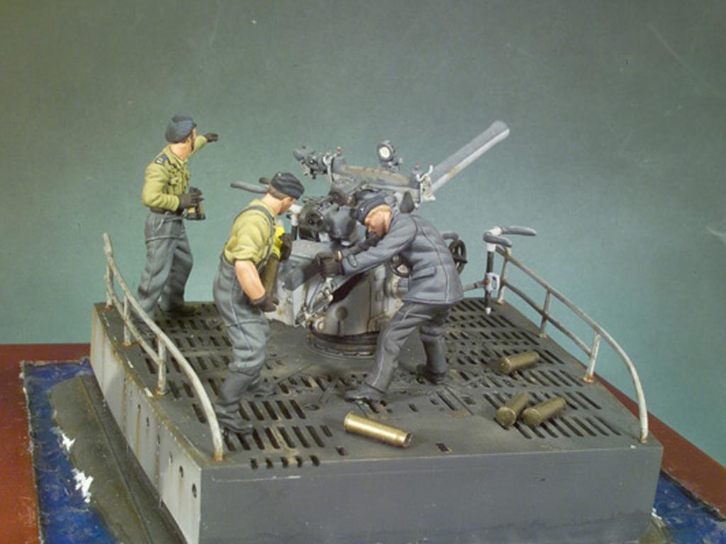 Cañon cubierta U-Boat VIIC y tripulacion (Vista 2)
