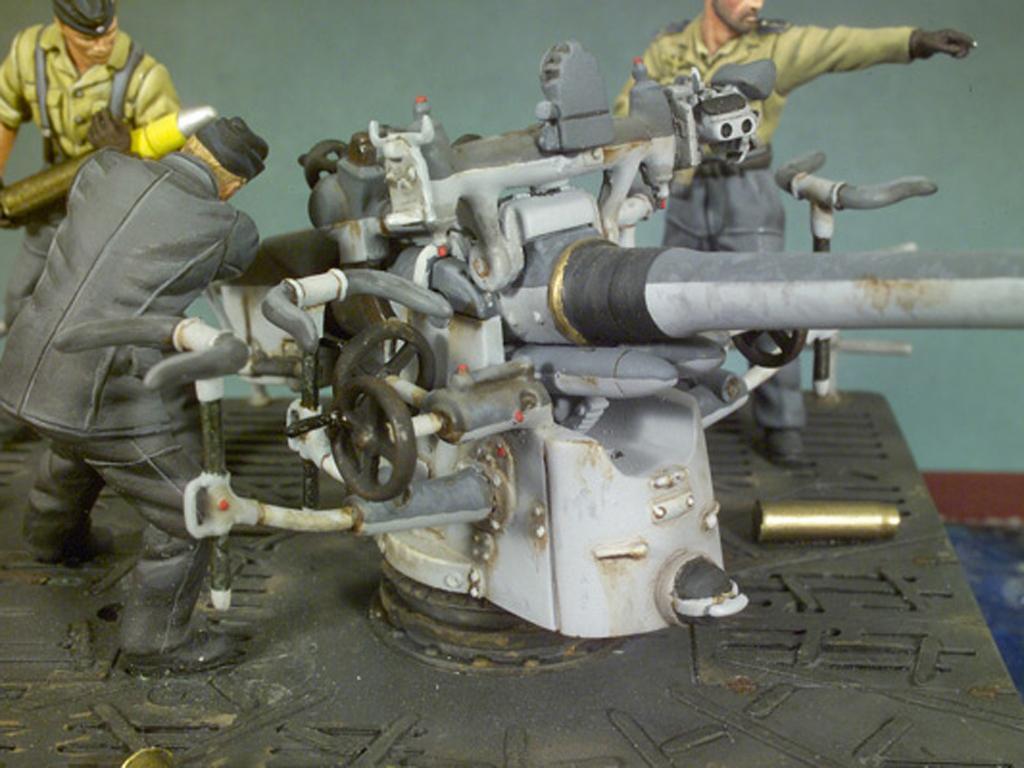Cañon cubierta U-Boat VIIC y tripulacion (Vista 4)