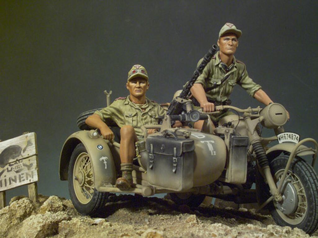 Afrikakorps BMW-R75 (Vista 1)