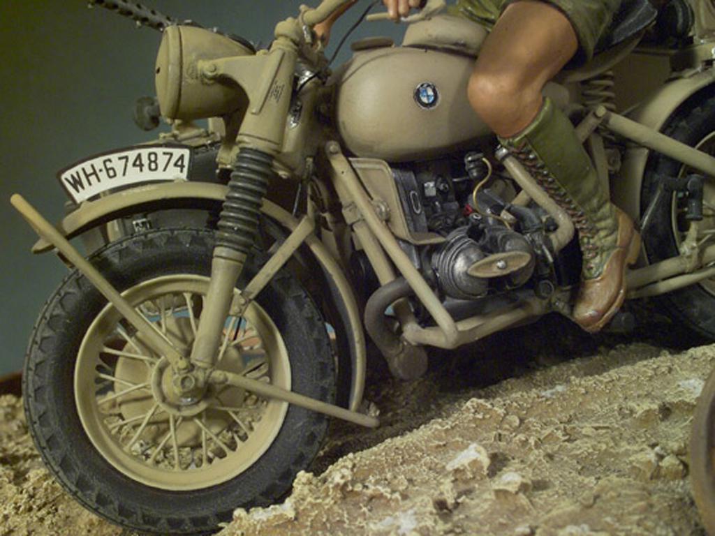 Afrikakorps BMW-R75 (Vista 2)