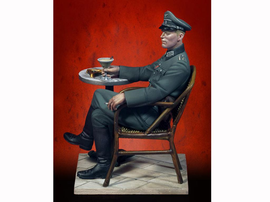 French Martini June 1940 (Vista 2)