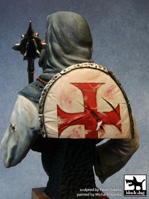 Crusader with mace   (Vista 3)