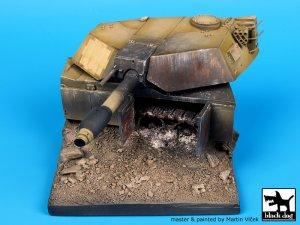 Destroyed M1A1 Abrams base  (Vista 1)
