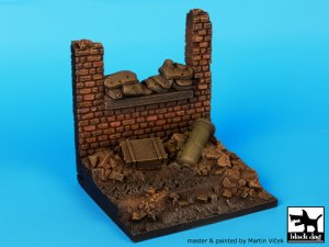 Wall with sand bags base  (Vista 2)