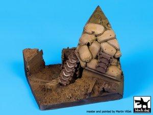 Sherman destruido y trinchera  (Vista 2)