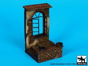 Casa con ventana en ruinas  (Vista 2)