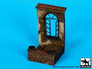 Casa con ventana en ruinas  (Vista 3)