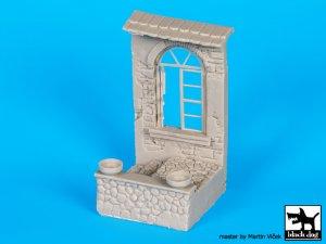 Casa con ventana en ruinas  (Vista 5)
