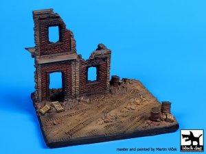 Fachada Europea en ruinas  (Vista 1)