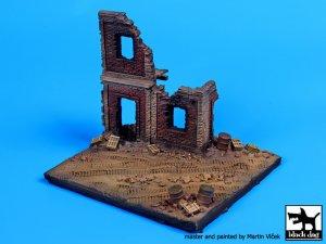 Fachada Europea en ruinas  (Vista 2)
