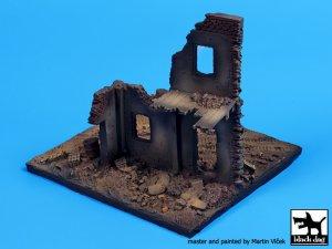 Fachada Europea en ruinas  (Vista 3)