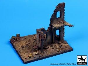 Fachada Europea en ruinas  (Vista 4)