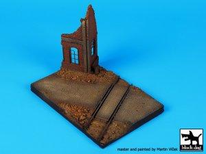 Esquina en Ruinas con Vias  (Vista 1)