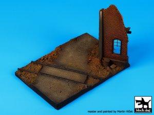Esquina en Ruinas con Vias  (Vista 3)