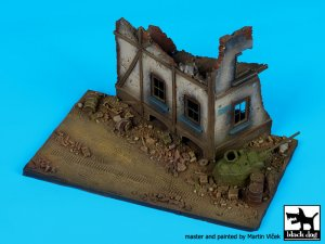 Street with house ruin N°2 base  (Vista 3)