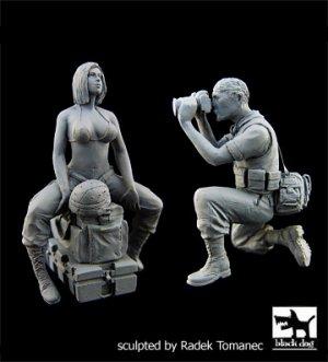 US Woman soldier & War journalist  (Vista 1)