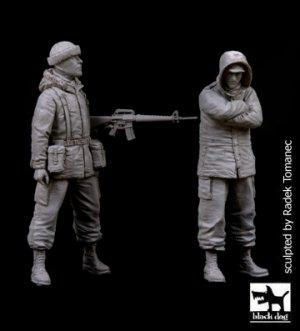 British Marines plus Argentine soldier  (Vista 1)