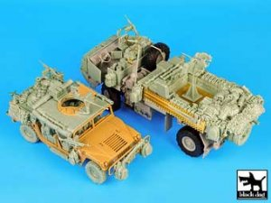 M1078 LMTV War pig plus HUMVEE Spec.f.   (Vista 4)