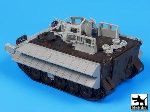 M113 Zelda2 reactive armor   (Vista 3)