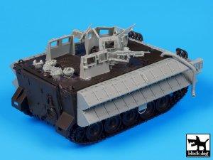 M113 Zelda2 reactive armor   (Vista 4)